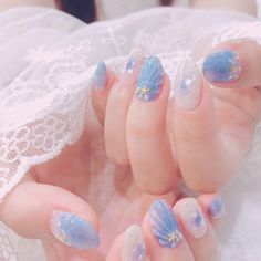 Have the girls changed their nails for new clothes? Asian Nail Art, Asian Nails, Korean Nail Art, Pretty Nail Art, Cute Nail Art, Cute Nails, My Nails, Maquillage Phosphorescent, Kawaii Nails