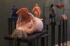 Artist of the day, March Yulia Ustinova, Russian crochet artist, sculptor Bead Crochet Patterns, Crochet Art, Crochet Home, Crochet Dolls, Crochet Stitches, Russian Crochet, Crochet Shawls And Wraps, Freeform Crochet, Warm Blankets