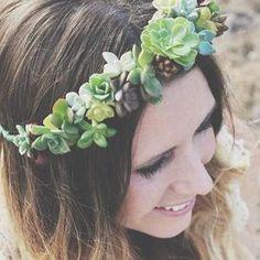 DIY Succulent Wreath Tutorial: How to Make a Succulent Wreath Boho Wedding, Wedding Blog, Wedding Flowers, Wedding Ideas, Hair Wedding, Green Wedding, Bridal Musings, Floral Hair, Floral Crown