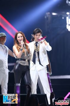 Coco Lee joins Jay Chou for Taipei concert