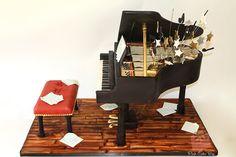 Bar Mitzvah boy a pianist? Bar Mitzvah Baby Grand Piano Cake | http://blog.pinkcakebox.com/bar-mitzvah-baby-grand-piano-cake-2012-09-22.htm