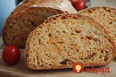 Rýchly chlebík bez kysnutia. Stačí jednoduchý zmiešať všetky prísady a s cestom môžete hneď pracovať. Navyše, chlebík je vynikajúci a chrumkavý aj na druhý deň. V chladničke vám vydrží až 7 dní.