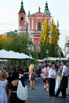 This image may make me change my mind about visiting Ljubljana, Slovenia.  Looks quaint!