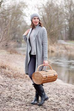Outfitpost im Country Style mit Hunter Boots und einem Oversize Strickkleid von Zara Home. Eine ausführliche persönliche Fotostrecke und Links zu den Onlineshops von Zara Home, Hunter, JBrand, Darling Harbour und Butler