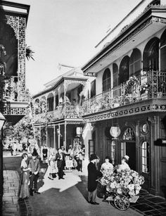 Vintage and current Disneyland New Orleans Square photos from Daveland New Orleans Voodoo, New Orleans Louisiana, New Orleans Saints, Louisiana Gumbo, French Quarter Restaurants, Cuba, New Orleans History, New Orleans French Quarter, Disneyland California