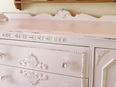Mod Vintage Life: White Furniture