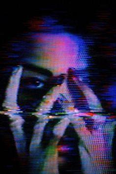 i like this casset tape glitch effect Glitch Art, Glitch Kunst, Glitch Photo, Vhs Glitch, Cyberpunk 2077, Vaporwave, The Wicked The Divine, Psy Art, Psychedelic Art