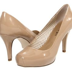 Steve Madden Nude Heels BOGO %50 ALL SHOES! Only worn twice! Super cute Steve Madden pumps, go with everything, good with any season! Great for New Years! Steve Madden Shoes Heels