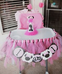 Minnie Mouse high chair, I am one, first birthday, Minnie Mouse birthday party ideas
