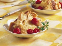 Slow Cooker White Chocolate Bread Pudding