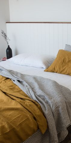 Light Grey Linen Duvet SetThere is always room for pops of color, but subtle bed linen in light gray can be everything but boring. Discover our linencute roomcute roomGina's home: Guest bedroom refresh - STYLE Home Decor Bedroom, Master Bedroom, Bedroom Retreat, Master Suite, 50s Bedroom, Bedroom Ideas, Bedroom Artwork, Childrens Bedroom, Design Bedroom