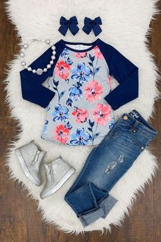 Bring blooming style to your little one's wardrobe with this blue and gray floral shirt. With a gray background, the pink & blue blooms create a standout look that's sure to get her noticed. Little Girl Outfits, Little Girl Fashion, Toddler Fashion, Baby Boy Outfits, Kids Outfits, Kids Fashion, Back To School Outfits For Kids, Retro Fashion, Korean Fashion