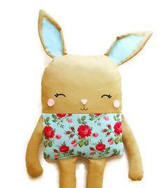 Bunny PDF Sewing Pattern Bunny Doll Softie Toy por GandGPatterns, $10.00