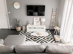 Comfy Minimalist Living Room Design Ideas ~ Home Decor Journal Home Living Room, Apartment Living, Interior Design Living Room, Living Room Designs, Living Room Decor Inspiration, Bedroom Decor, Home Decor, Salons, Sweet