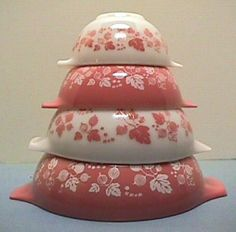 vintage pyrex-I have the big pink one that my mom always made potato salad in.