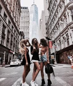 Traveling with best friends city bff picture ideas bffs, bestfriends, photography lighting, coffee Best Friend Pictures, Bff Pictures, Friend Photos, Bff Pics, Best Friend Fotos, Shotting Photo, Friend Goals, Best Friends Forever, Girl Gang