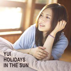 YUIにとって約2年3カ月ぶりのフルアルバムとなる新作「HOLIDAYS IN THE SUN」(写真は初回限定盤ジャケット)。