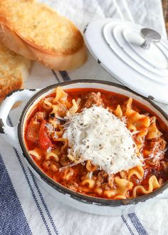 Hearty Lasagna Soup Beef Recipes For Dinner, Easy Soup Recipes, Crockpot Recipes, Cooking Recipes, Healthy Recipes, Pasta Recipes, Entree Recipes, Casserole Recipes, Yummy Recipes