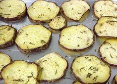 Aprenda a fazer chips de batata doce e outros legumes. E mais, saiba porque a batata doce é tão consumida entre atletas. Você sabe quais são os benefícios?