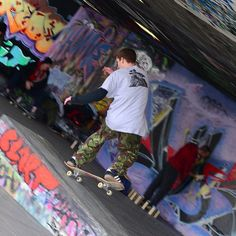 """Dude! #skateboarding #boarding #southbank #london #nightlife"" Photo taken by @notesbyastylist on Instagram, pinned via the InstaPin iOS App! http://www.instapinapp.com (03/21/2015)"