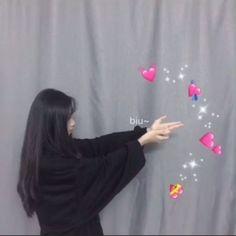 Random stray kids Stuff: ~Reactions ~Would you rather ~One shots ▁ ▂… # Fan-Fiction # amreading # books # wattpad Cute Couple Dp, Photo Couple, Couple Ulzzang, Ulzzang Korean Girl, Korean Couple, Couple Aesthetic, Aesthetic Girl, Korean Best Friends, Cute Couple Wallpaper