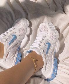 Dr Shoes, Swag Shoes, Nike Air Shoes, Hype Shoes, Me Too Shoes, Shoes Sneakers, Sneakers Women, Shoes Women, Vans Women