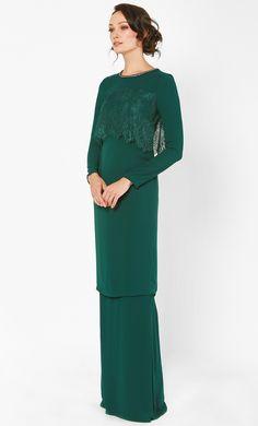 New Baju Kurung : Baju Kurung Terkini Lace Modesty Fashion, Muslim Fashion, Fashion Outfits, Fashion Ideas, Women's Fashion, Baju Kurung Moden Lace, Hijab Dress Party, Kebaya Dress, Lace Top Dress