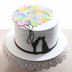 """""""Nişan pastası #mutludukkan #sekerhamuru #butikpasta #sugarart - Designer unknown"""""""