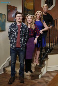Nick Robinson as (Ryder), Taylor Spreitler as (Lennox), Melissa Joan Hart as (Mel) and Joey Lawrence as (Joe) #MelissaAndJoey