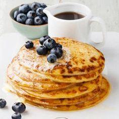 Paleo Pancakes: Low Carb Rezept aus nur 2 Zutaten eating recipes breakfast on the go Griechischer Joghurt: Low Carb Eiweißbombe Low Carb Protein, Healthy Protein, Protein Snacks, Paleo Dessert, Dessert Recipes, Low Carb Desserts, Easy Desserts, Low Carb Recipes, Paleo Recipes