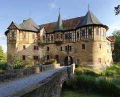 Schloss Irmelshausen, Irmelshausen, Höchheim, Rhön-Grabfeld, Bavaria, Germany - www.castlesandmanorhouses.com