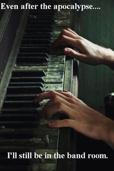 Sebastian adores the piano and tends to play very loud( and occasionally soft) and complicated pieces. It was the least he could do, he thought, after all those years, to at least try to bring it to life again. Story Inspiration, Writing Inspiration, Fantasy Inspiration, Vieux Pianos, Kreative Portraits, Jace Lightwood, Dark Green Aesthetic, Aesthetic Grunge, Regulus Black