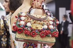 Crochet Bags Design - From see-through bags by Balmain to classy straw bags by Chanel, check out the trending handbags from Spring Summer 2019 collections. Dolce & Gabbana, Dolce And Gabbana Handbags, Look Fashion, Fashion Bags, Fashion Show, Womens Fashion, Fashion Design, Fashion Trends, Fashion Ideas