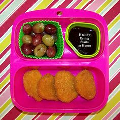 #Momables Chix Nugget Meal on a #Goodbyn Small Meal Mix and Match Set, perfect for my kindergartner. #bento