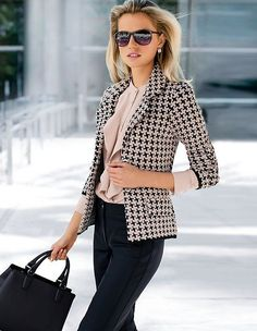 stylish look blazer + blouse + bag + pants Spring Work Outfits, Casual Work Outfits, Blazer Outfits, Professional Outfits, Mode Outfits, Work Attire, Work Casual, Trendy Outfits, Fashion Outfits