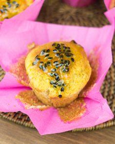 Muffins de plátano, mango y fruta de la pasión