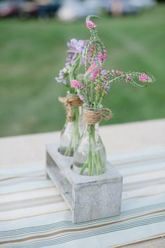 Dainty florals. Photography By / http://lexiafrank.com, Floral Design By / Esther Fleming of Impressions Floral