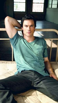 Damon Salvatore Vampire Diaries, Ian Somerhalder Vampire Diaries, Vampire Diaries Cast, Ian Somerhalder Fotos, Ian Somerhalder Photoshoot, Nick Bateman, Outfits Casual, Mode Outfits, Eddie Redmayne