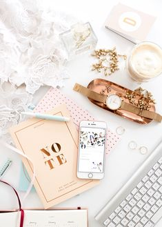 Home office flatlay styling Fall Inspiration, Flat Lay Inspiration, Flat Lay Photography, Photography Tips, Photo Pour Instagram, Instagram Tips, Accessoires Iphone, Flatlay Styling, Jolie Photo
