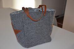 Cabas en laine bouillie grise et anses en cuir - Bleu Souris : Sacs à main par bleu-souris