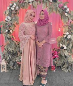 Simple Bridesmaid Dresses, Wedding Bridesmaids, Wedding Dresses, Kebaya Dress, Muslim Hijab, Brokat, Hijab Fashion, Weddings, Long Sleeve