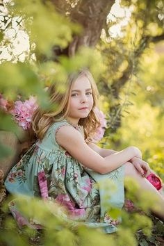 Girls without the suit & Alba Soler Photography & Xàtiva children& photography & Valencia. The post Girls without the suit Little Girl Photography, Children Photography Poses, Cute Kids Photography, Photography Ideas, Maude, Little Girl Photos, Girl Photo Shoots, Kid Poses, Photographing Kids