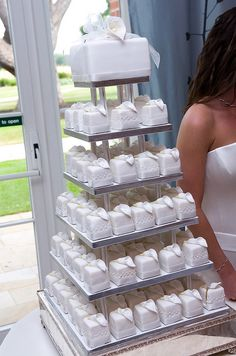 square mini wedding cakes love the diversity and they can be any color or style! so personal