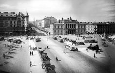 Keskustori, 1930-luku Helsinki, Ancient History, Old Photos, Past, Louvre, Building, Places, Pictures, Travel