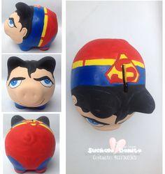 CERDITOS DE CERAMICA DECORADOS  SUPERMAN Superman, Personalized Piggy Bank, Piggy Banks, Clay Pots, Facebook Sign Up, Dyi, Hand Painted, Superhero, Painting