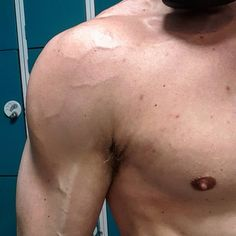 When you know what youre doing even a 3 month lay off doesnt stop you from being shredded  . . . . . . . . . . . . #fitness #exercise #IIFYM #gym #flexibledieting #muscle #motivation #instafitness #workout #fitfam #bodytransformation #l4l #gymshark #transformation #bodybuilding #personaltrainer #vlog #nutrition #grindout #fit #gymlife #instafit #f4f #bodybuilder #youtube #mma #bjj