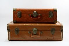 Old Suitcase Vintage Luggage Vintage Suitcases, Vintage Luggage, Vintage Paper, Etsy Vintage, Cities, Large Suitcase, Best Bow, Metal Texture, Consumer Reports