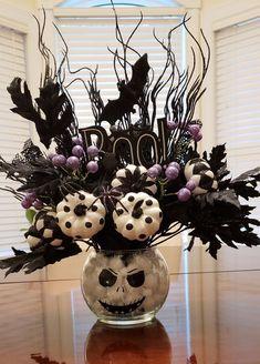 Halloween Table Centerpieces, Table Halloween, Halloween Home Decor, Halloween Birthday, Diy Halloween Decorations, Holidays Halloween, Halloween Crafts, Happy Halloween, Floral Decorations