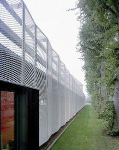 Razigrana spoljna linija fasade