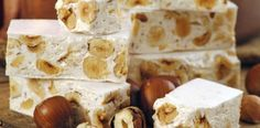 This nougat recipe is easy to make and very delicious. Torrone, Turrón or nougat are just different words to call one of the best treats of the Christmas season Small Desserts, Just Desserts, Torrone Recipe, Yummy Treats, Yummy Food, Oatmeal Cream Pies, Roasted Walnuts, Golden Syrup, Cookies